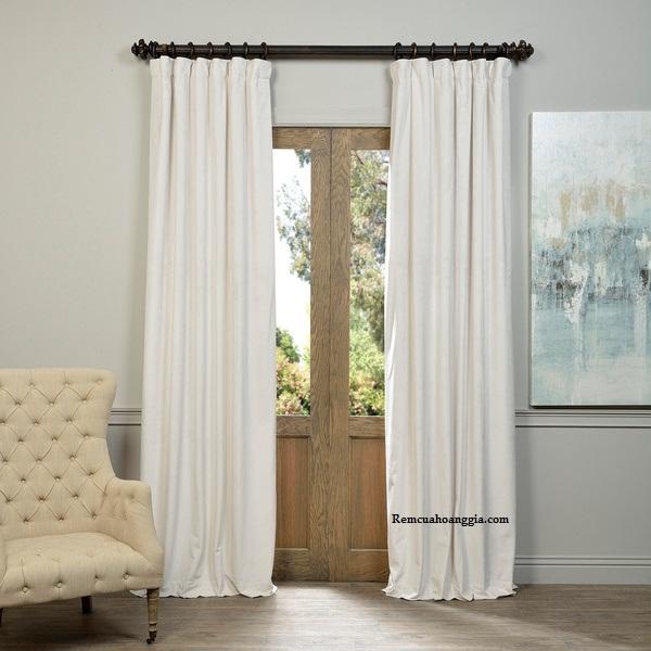 Màn cửa màu trắng cho không gian sống tinh tế