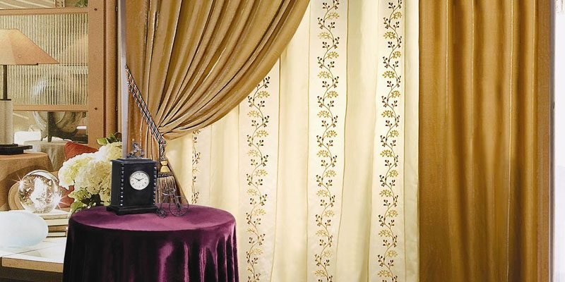 Một bộ màn cửa cao cấp gia đình không thể thiếu đi tay vén rèm